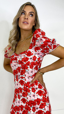 Get That Trend Girl In Mind Sweetheart Midi Dress in Red Floral