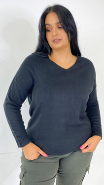 Get That Trend Only Carmakoma Black V-Neck Knitted Pullover