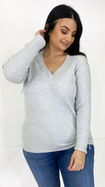 Get That Trend Only Carmakoma Grey V-Neck Knitted Pullover