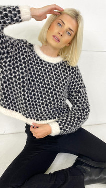Get That Trend Only Life Black Detailed Cropped Knit Pullover