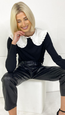 Get That Trend Only Black Collar Detail Knitted Pullover