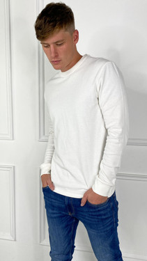 Get That Trend Only and Sons Long Sleeved T-Shirt In White