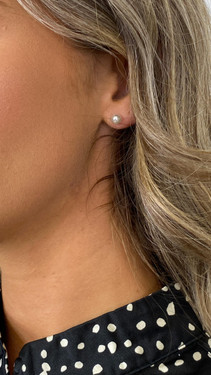 Get That Trend Pieces Silver Pearl Stud Earrings