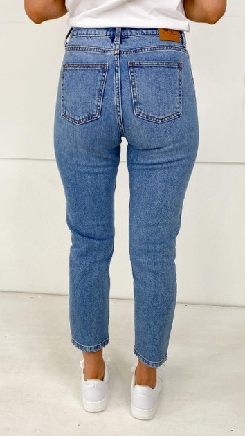 Get That Trend Only Emily Medium Blue Straight Leg Jeans