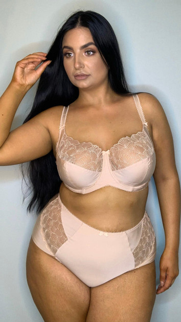 Get That Trend Charnos Side Support Full Cup Bra in Cashmere