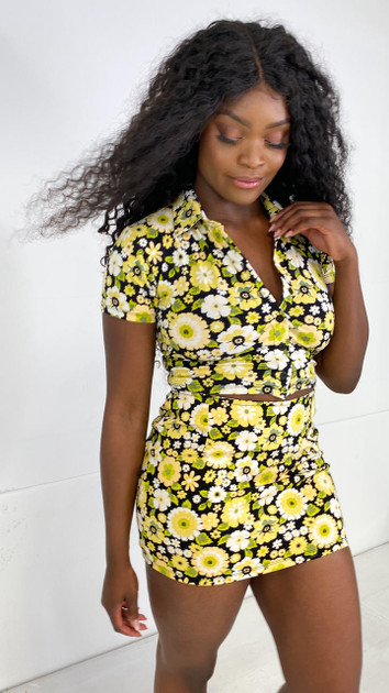 Get That Trend Motel Rocks Wuma Cropped Shirt in Retro Floral