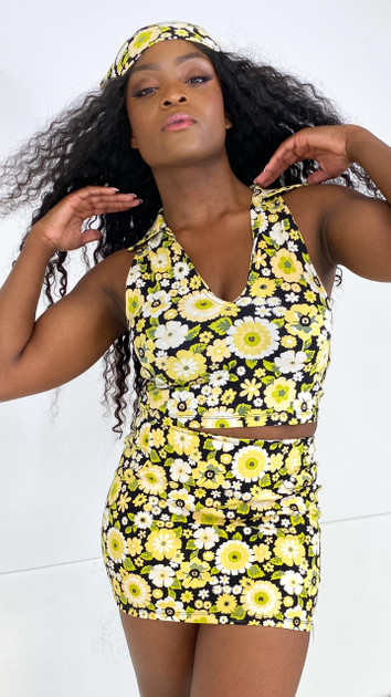 Get That Trend Motel Rocks Vende Cropped Top in Retro Floral