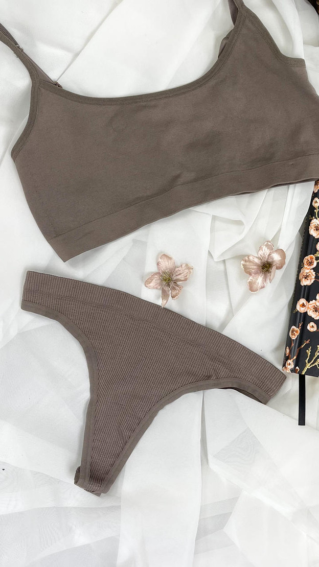 Get That Trend Pieces 2 Pack Rib String Thong in Brown