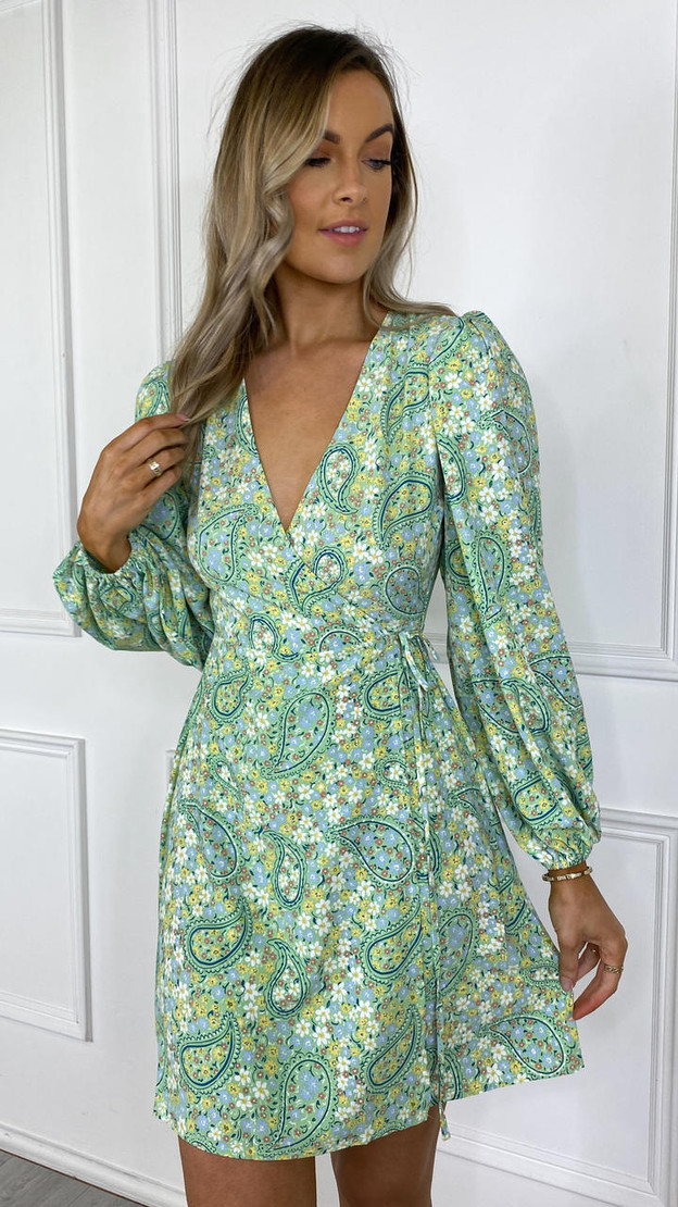 Get That Trend Glamorous Green Paisley Printed Puff Sleeve Skater Dress