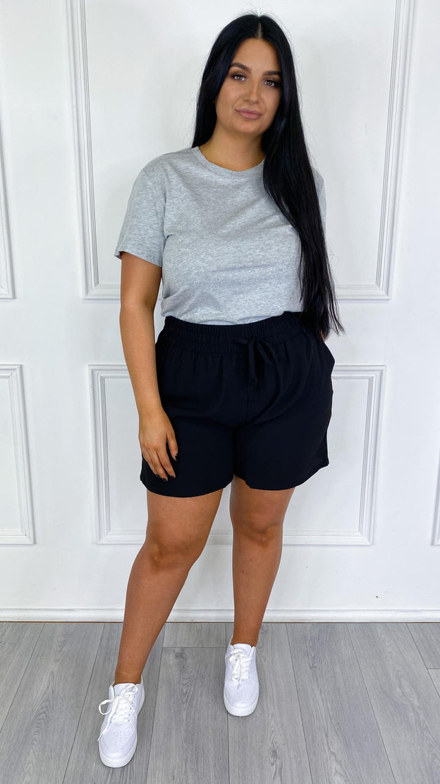 Only Carmakoma Black Loose Fitted Shorts