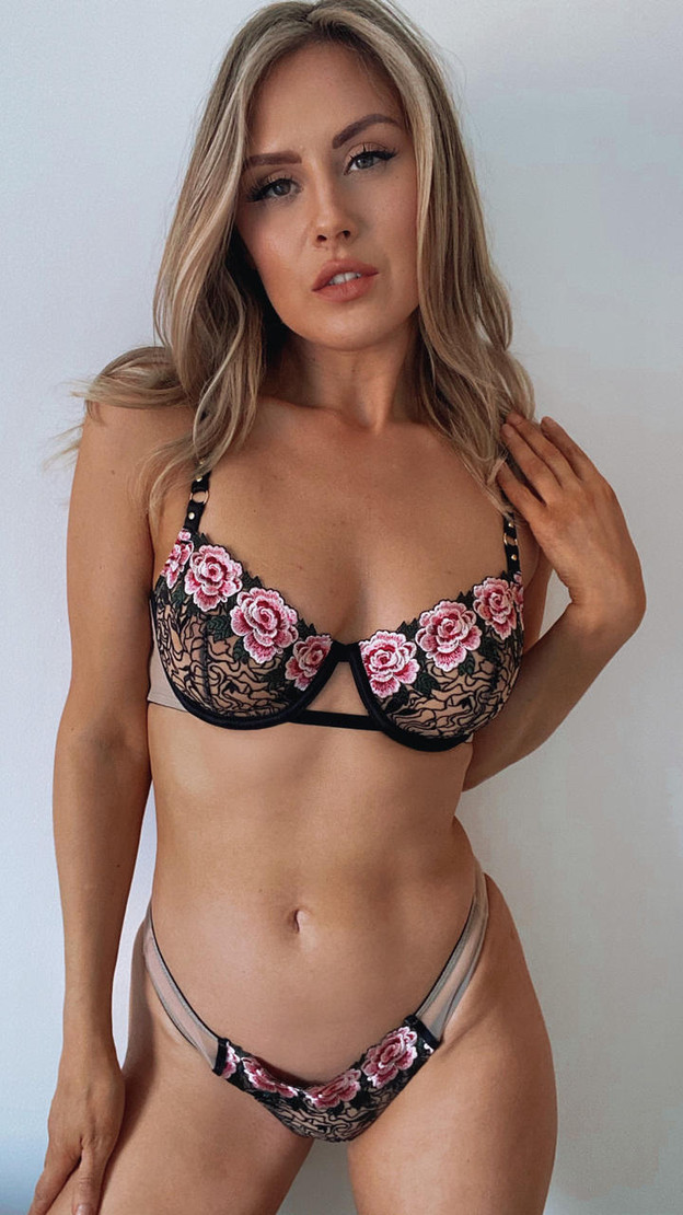 Get That Trend Playful Promises Rose Embroidered Bra
