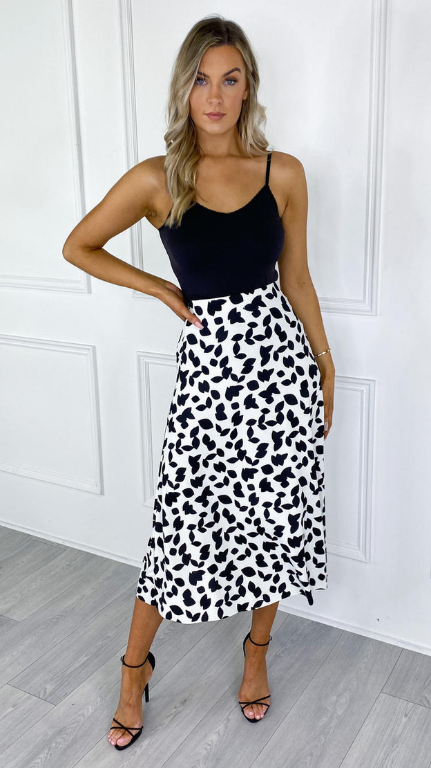 Get That Trend Sisters Point Cream and Black Printed Midi Skirt