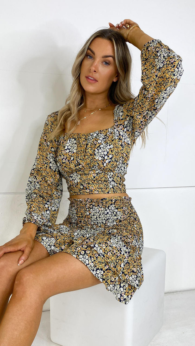 Get That Trend Only Black Floral Long Sleeve Crop Top