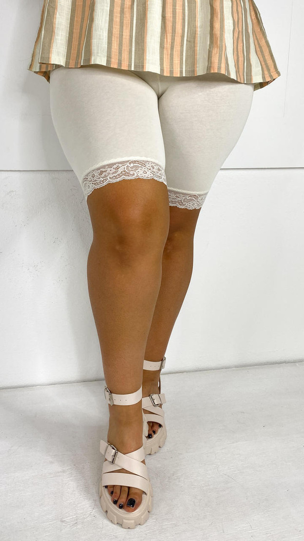Get That Trend Vero Moda Curve Beige Cycle Shorts