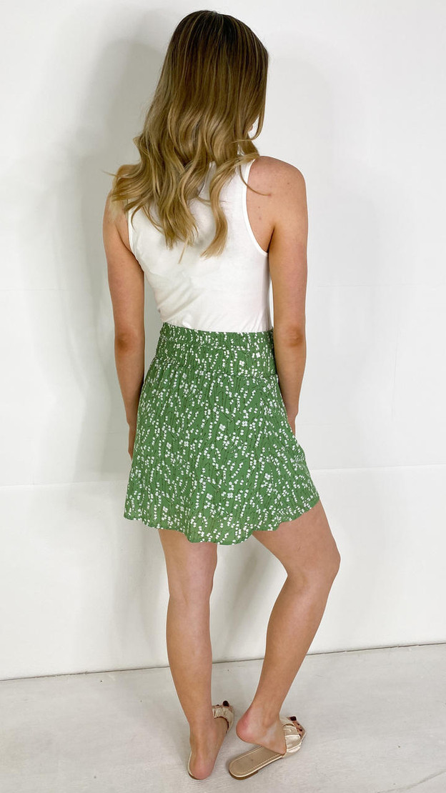 Get That Trend Mamalicious Green Floral Maternity Mini Skirt