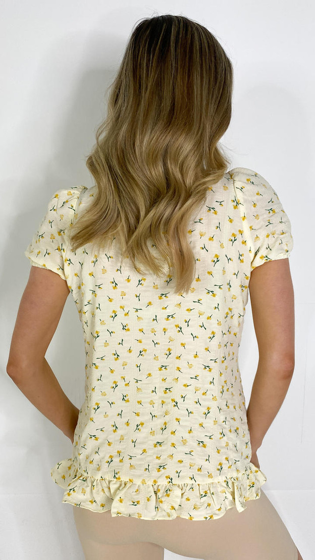 Get That Trend Mamalicious Lemon Floral Smock Top