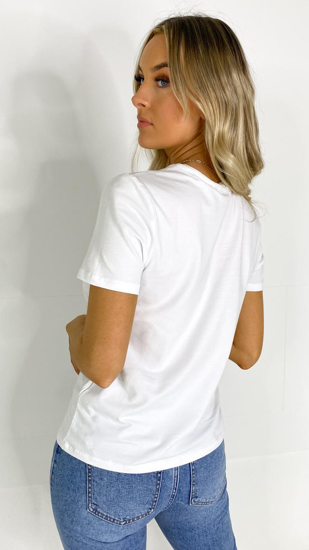 Get That Trend Pieces White Shooting Hearts Printed T-shirt