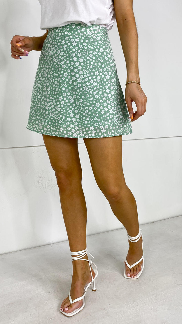 Ivy Lane Green Floral A-Line Skirt