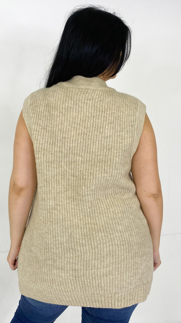 Get That Trend Only Carmakoma Beige Knit Vest