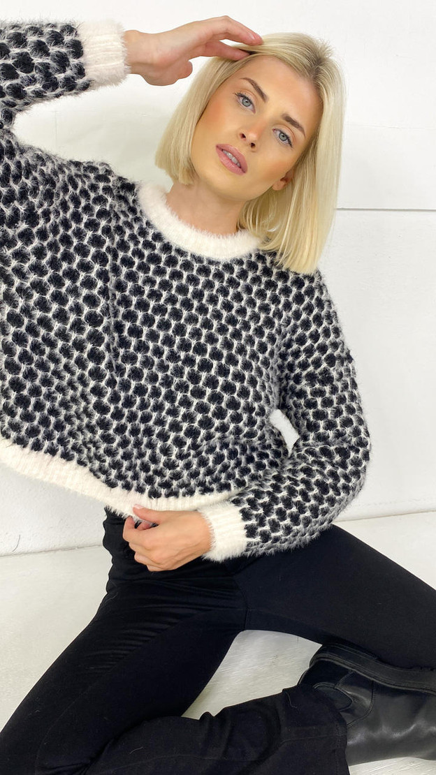 Only Life Black Detailed Cropped Knit Pullover