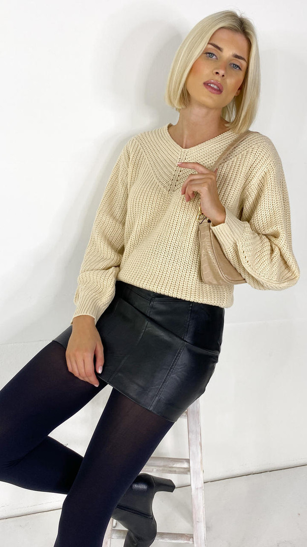 Get That Trend JDY Cream V-Neck Knitted Pullover
