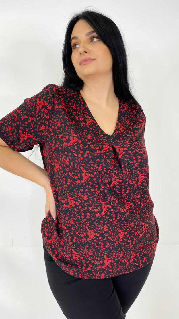 Get That Trend Only Carmakoma Black Abstract V-Neck Top