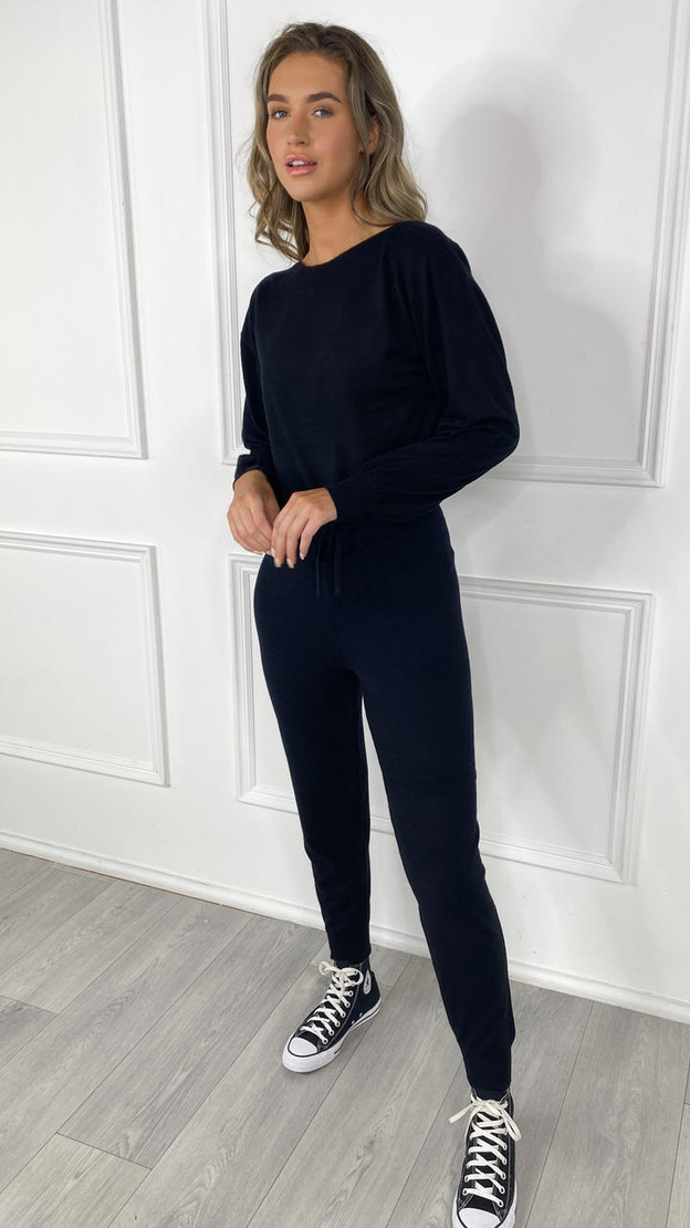 Get That Trend Only Black Cozy Pullover Knit