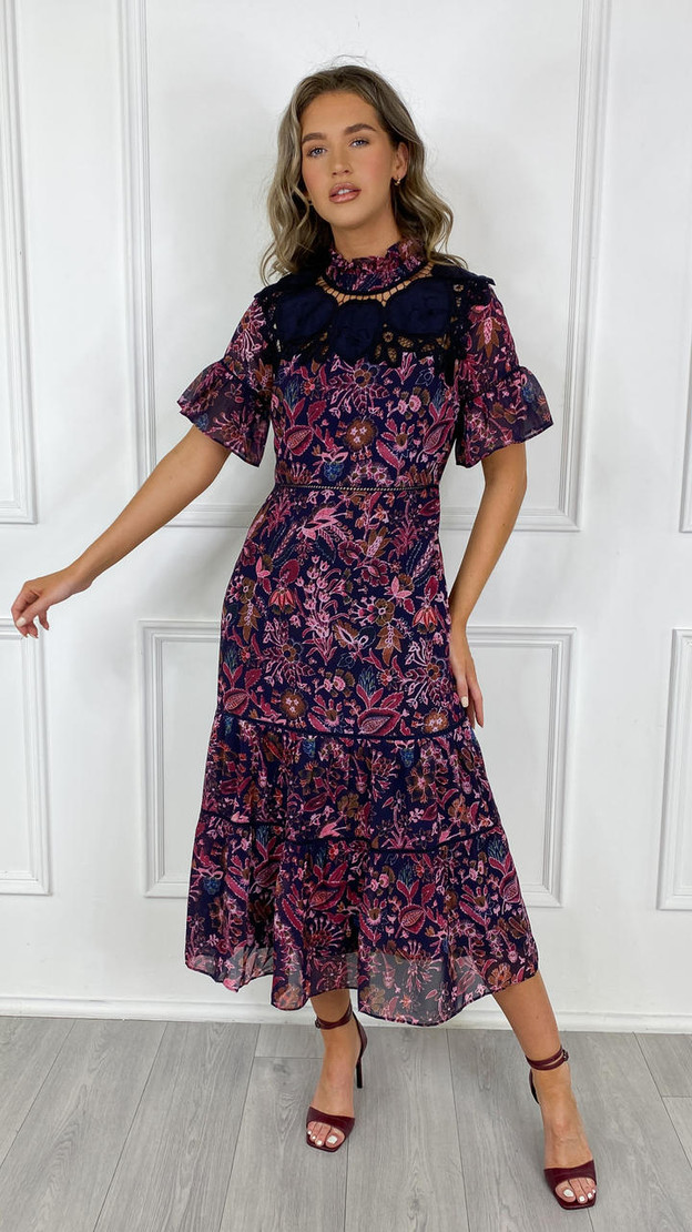 Get That Trend Hope and Ivy Pink and Red Floral Sweetheart Tea Dress