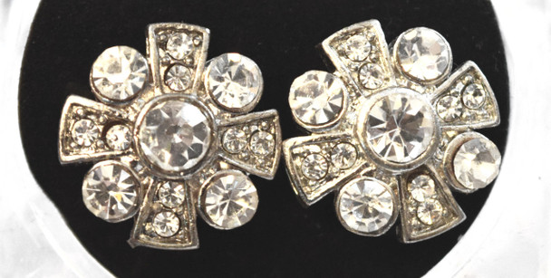 Silver studded pinwheel