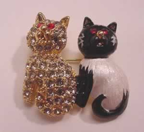 Cat Pin - Pair of Cats on One Pin - J625