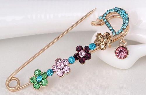 Four Flower Korean Pins with Crystal rhinestone Brooch