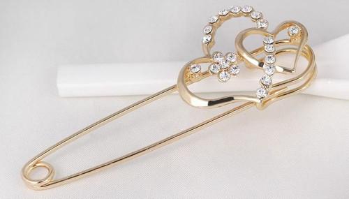 Heart Korean Pins with Crystal rhinestone Brooch