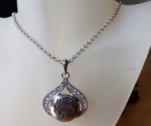 Silver Plated Noosa Heart Pendant Necklace with Mama Snap Button