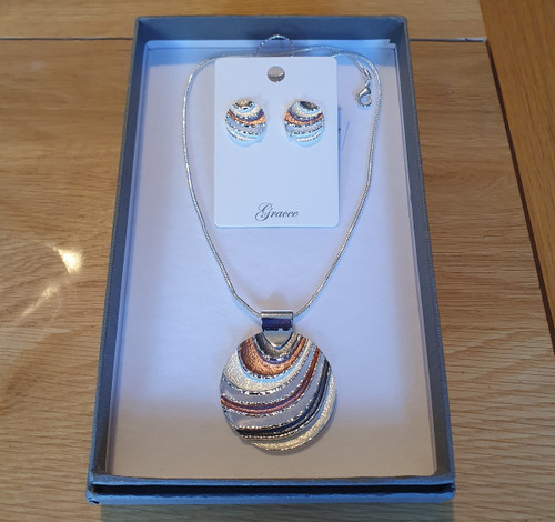 Round Waves Necklace and Earrings set
