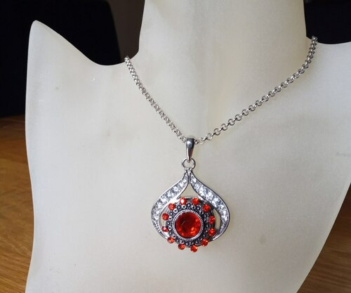 Silver Plated Noosa Heart Pendant Necklace with Red Snap Button with gift box