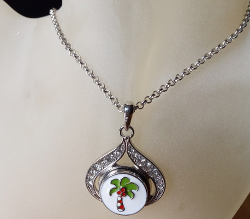 Silver Plated Noosa Heart Pendant Necklace with Palm Tree Snap Button with gift box