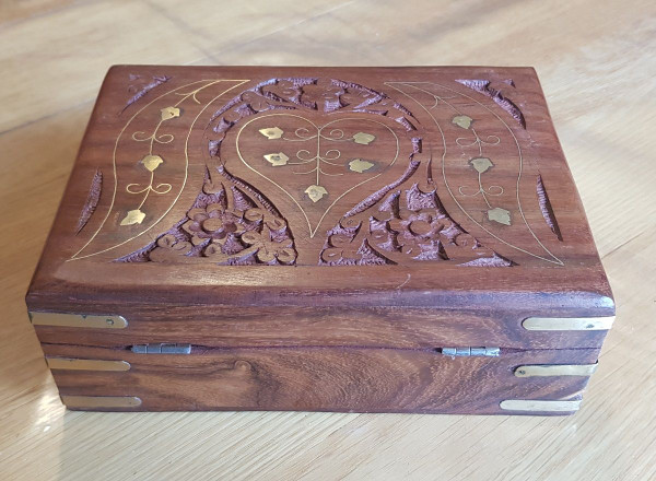 Hand Crafted Wooden Jewellery Box Five Leaf