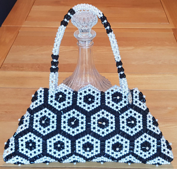 Hand Crafted Black & White Hex-Flowers Large Hand Bag
