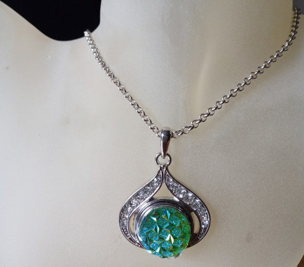 Silver Plated Noosa Heart Pendant Necklace with Green Snap Button
