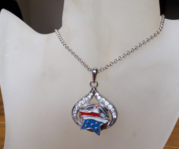 Silver Plated Noosa Heart Pendant Necklace with Star Snap Button