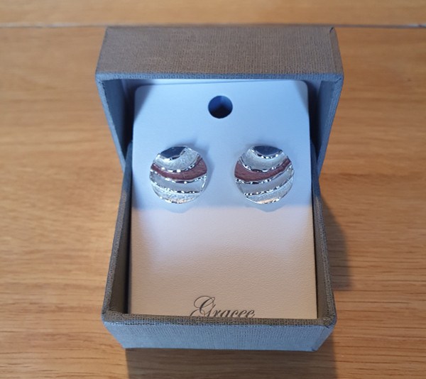 Round Waves Earrings with Gift box