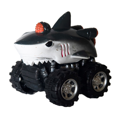 Pull back shark toy