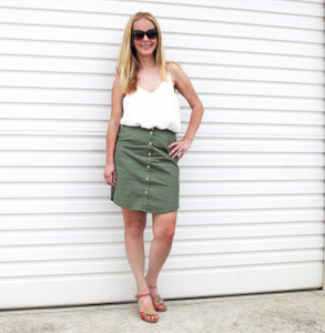 BINDI_BUTTONED_SKIRT_KHAKI_FULL