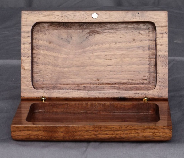 Clam shell box - Walnut