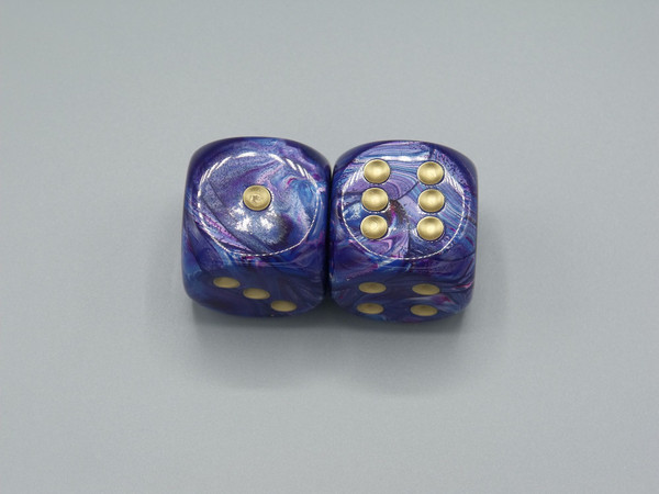 30mm Dice Lustrous Purple with Gold Pips