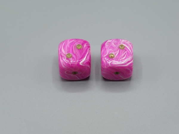 20mm Dice Vortex Pink with Gold pips d6 - pair of 2
