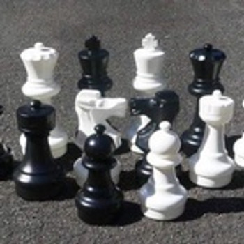 640mm Garden Patio Chess Set