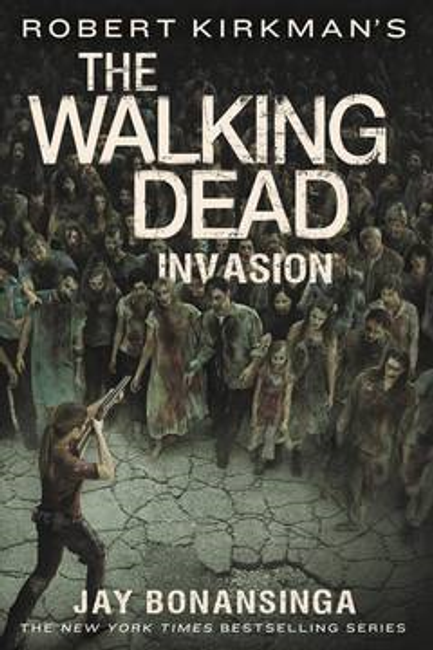 WALKING DEAD MMPB VOL 06 INVASION