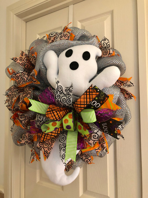 HALLOWEEN GHOST WREATH (R)