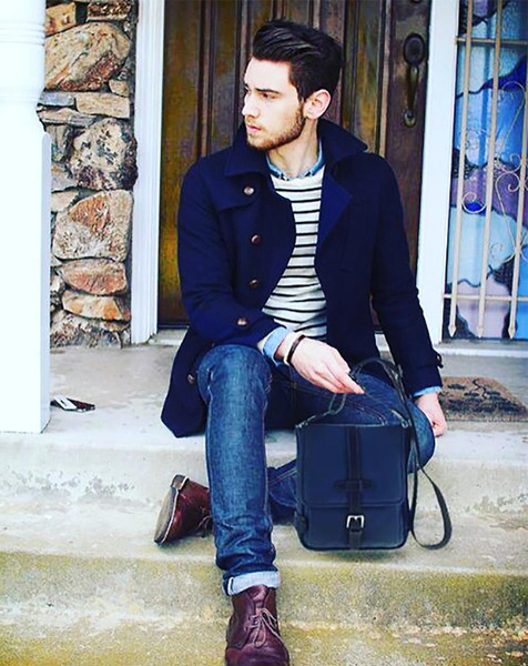 Messenger Bags are Becoming the Bag of Choice